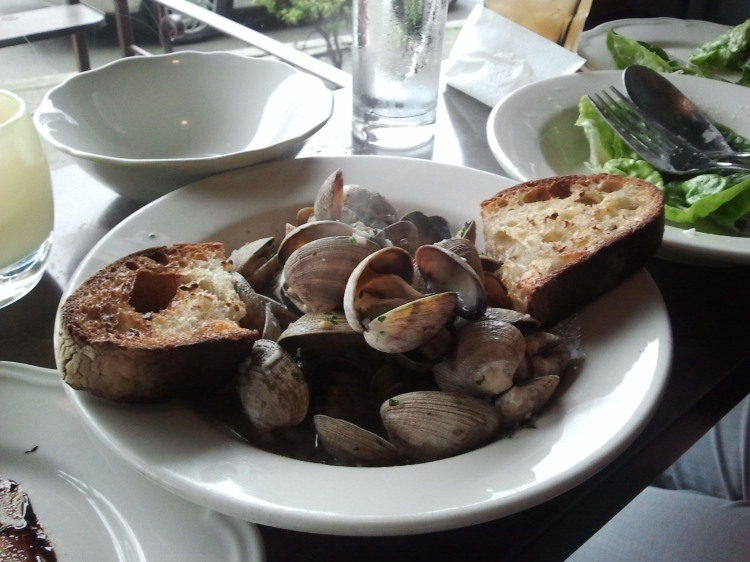 Clams at Dinette