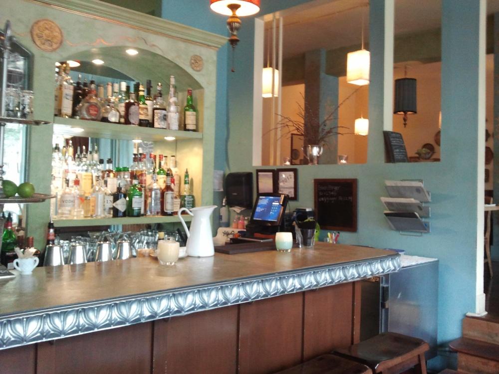 Dinette's bar