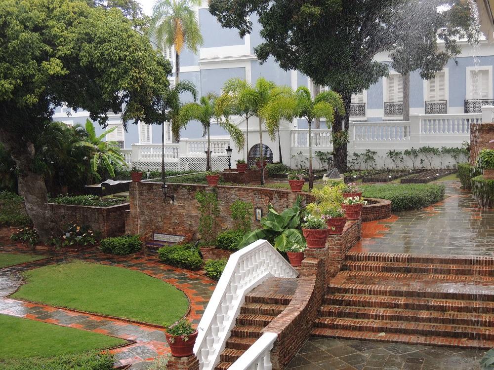 La Fortaleza - Palacio de Santa Catalina - palm trees