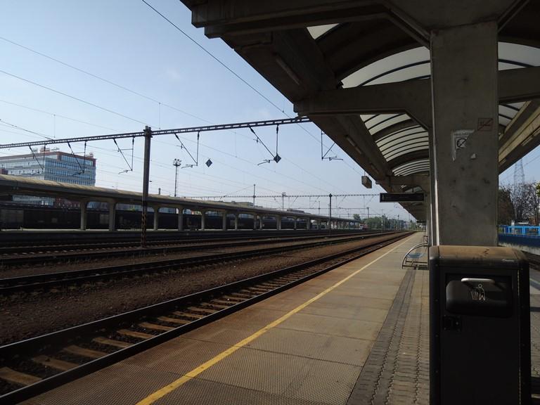 Bratislava Petrzalka train station platform